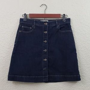 GAP Denim Button front skirt size 4
